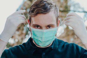 Czy maski ochronne są w stanie zabezpieczyć nas przed koronawirusem?